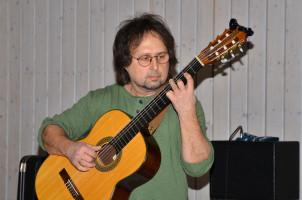 Wolfgang Boguth bei einer weiteren Musikeinlage